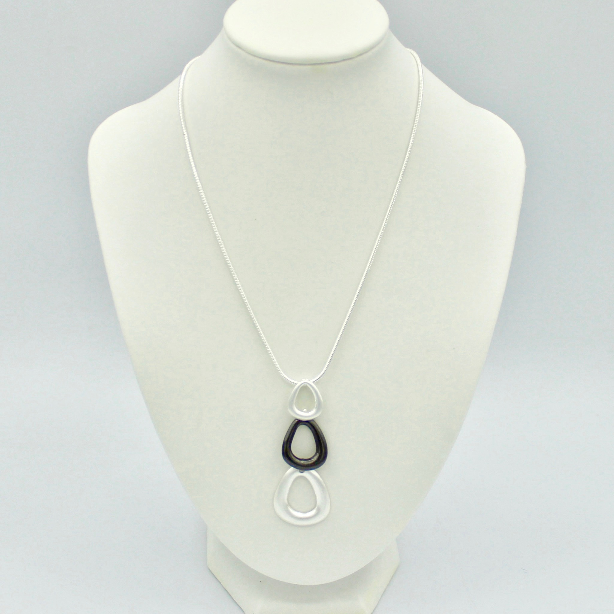 2 Toned Pearl shaped necklace