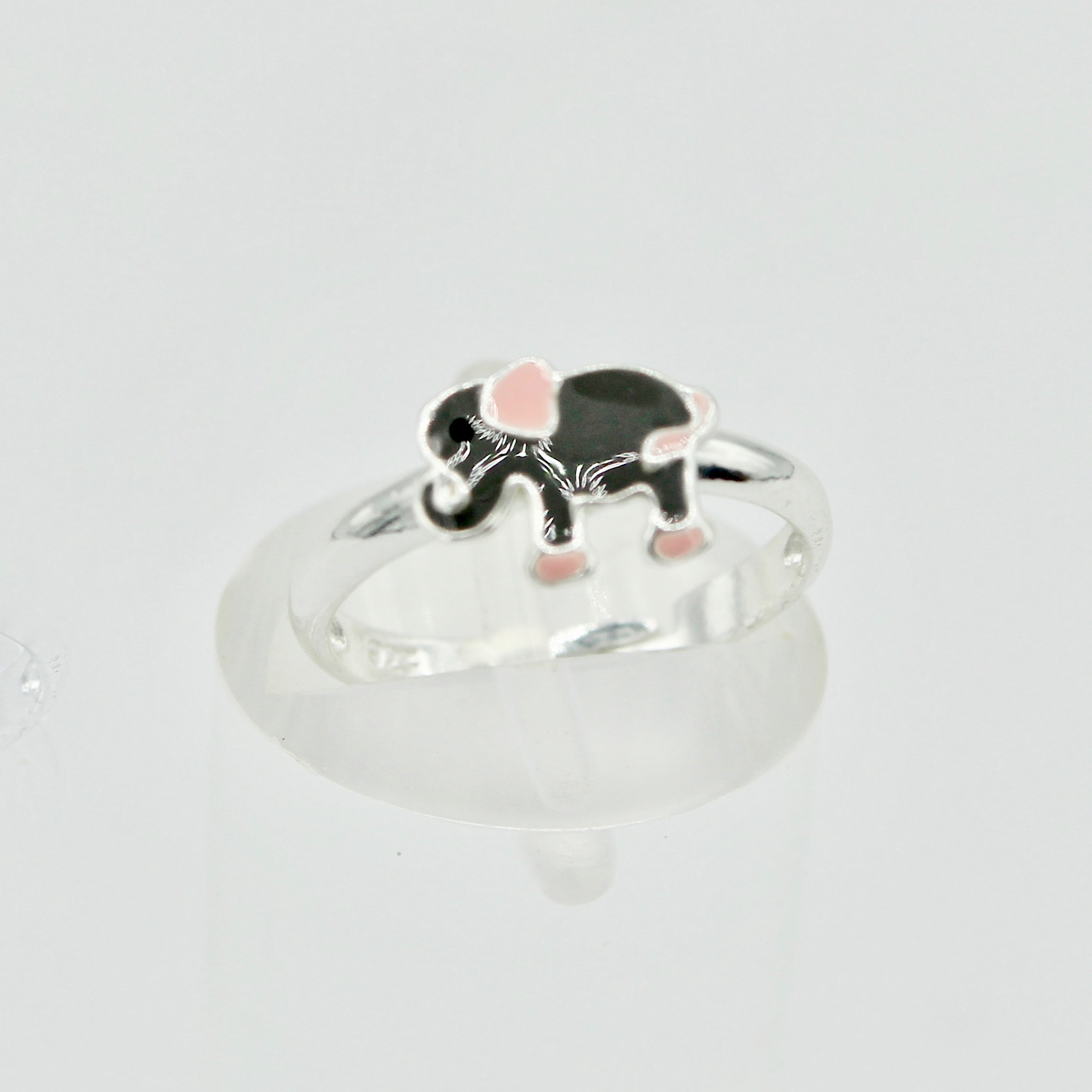 One Size Elephant Ring